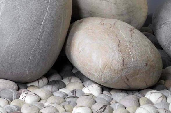 Ronel Jordaanu0027s Rock Cushions