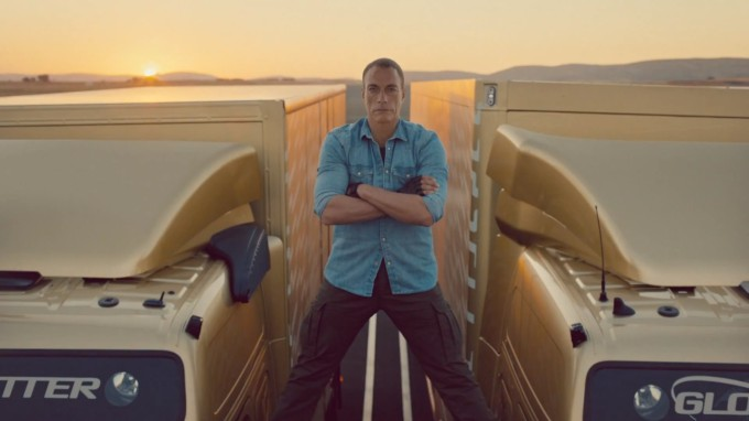 Volvo Trucks – The Epic Split feat. Van Damme Inspirationist ...