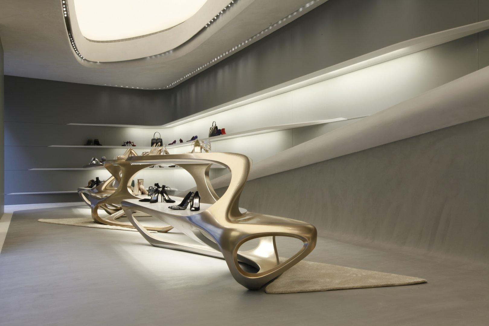 Stuart weitzman flagship store by zaha hadid for Design milano