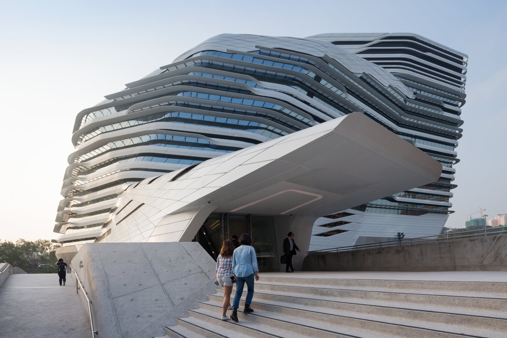 Jockey club innovation tower by zaha hadid for Architecture zaha hadid