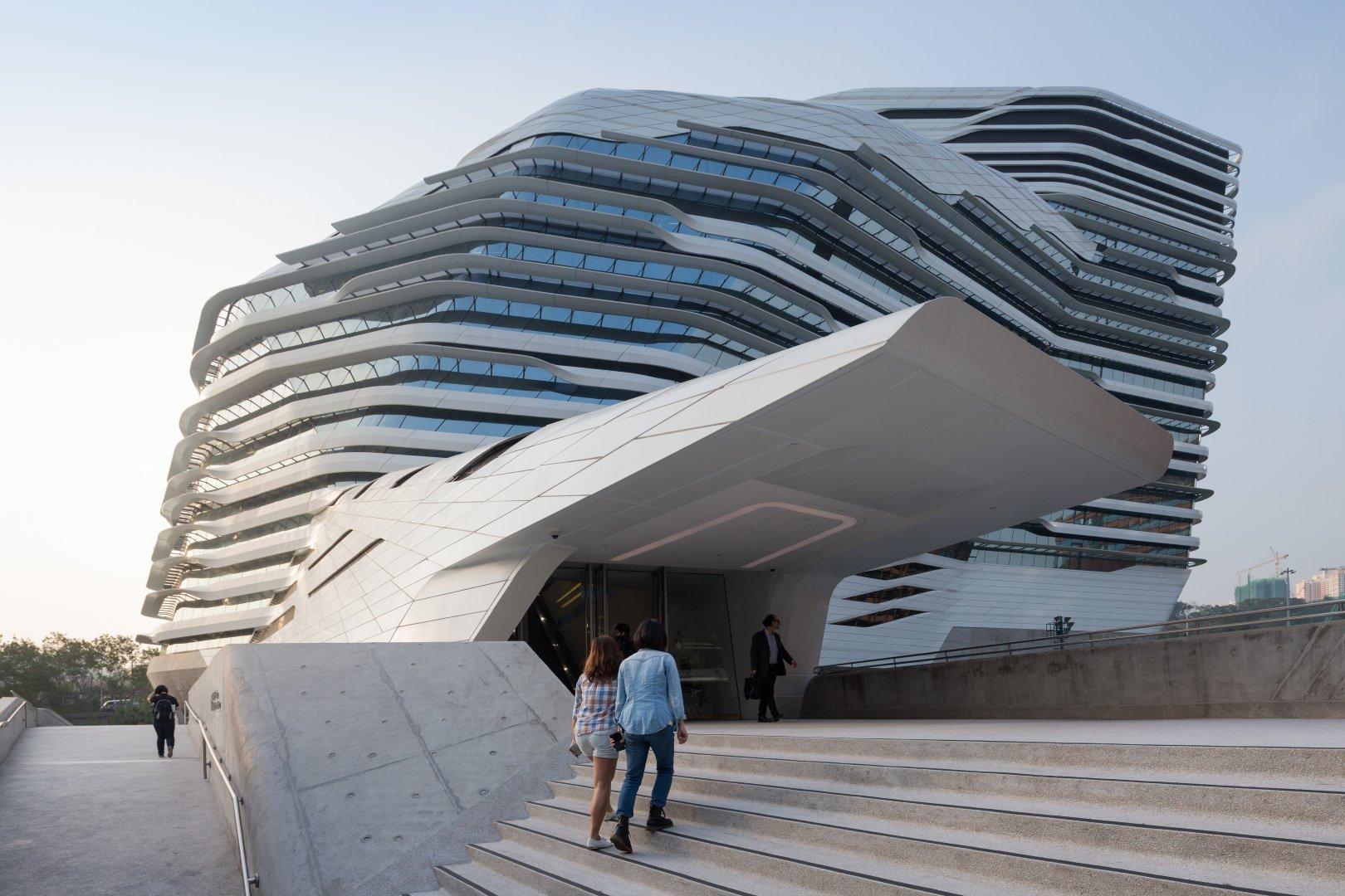 Jockey club innovation tower by zaha hadid for Architecture zaha hadid