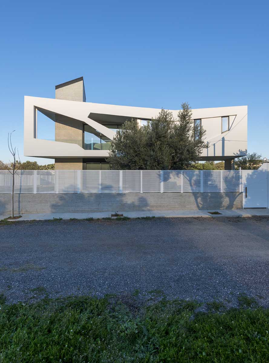Void as structure: Paradox House by Klab ...