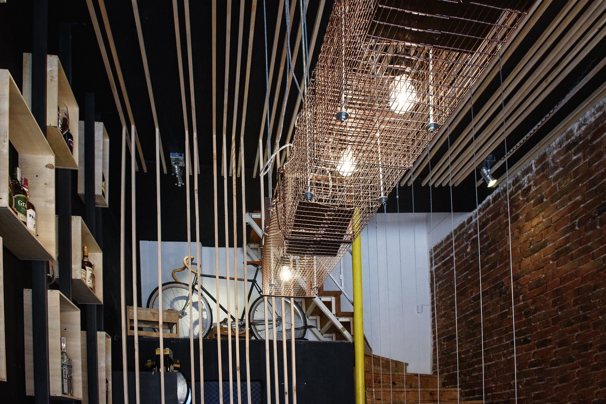 Cat and Mouse Beer Bar by studio 8 ½10