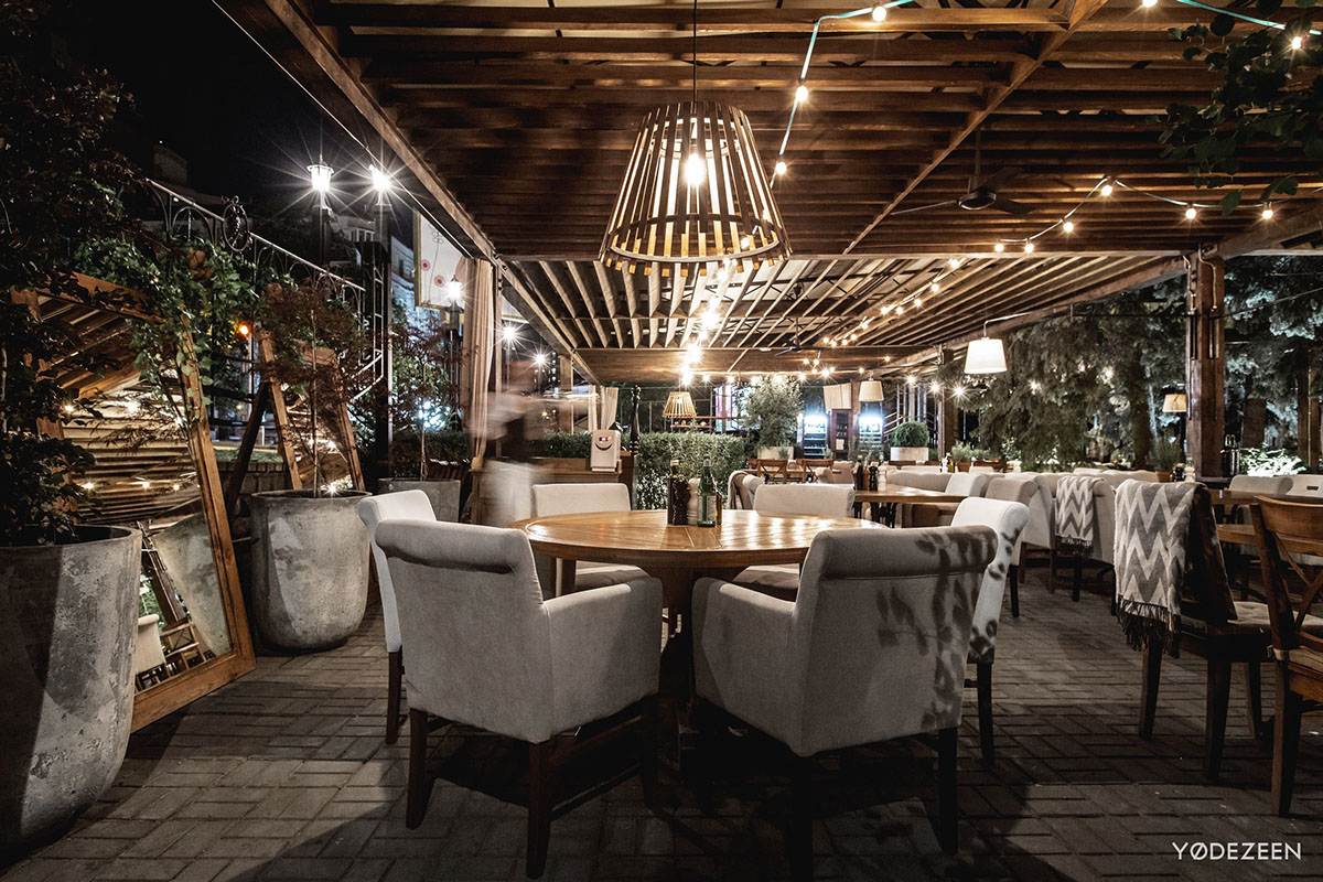 39 vino e cucina 39 creates a country estate atmosphere in the