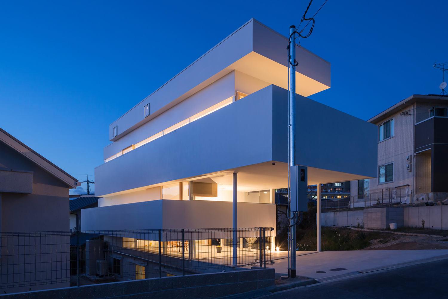 A house with a dynamic abstractness from Tato Architects