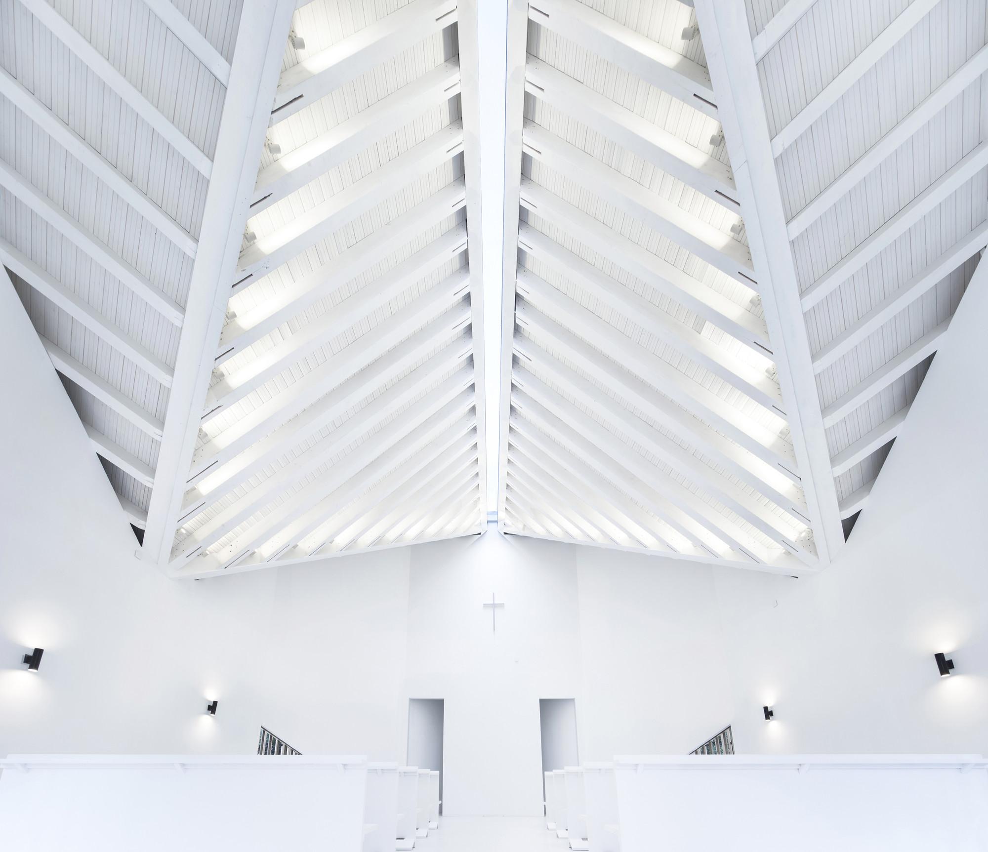 8_Nanjing Wanjing Garden Chapel_AZL Architects_Inspirationist