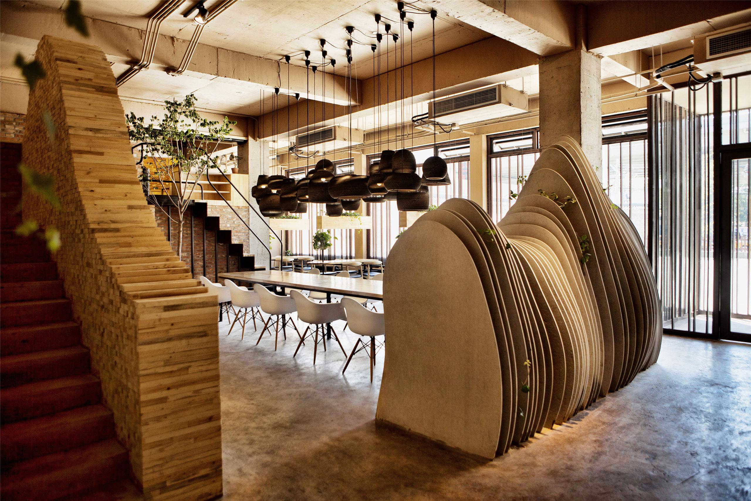 2_Ban Shan Café_Robot3 Design_Inspirationist