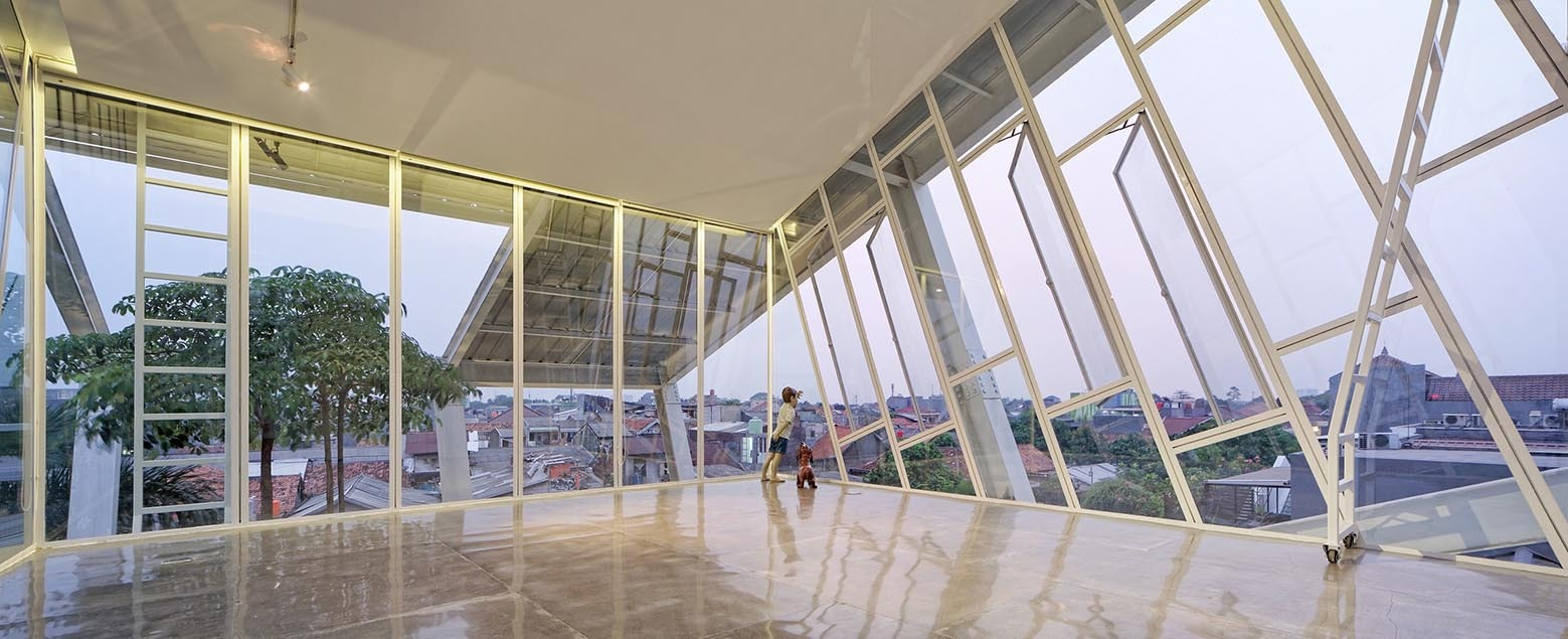 2_Slanted House_Budi Pradono Architects_Inspirationist