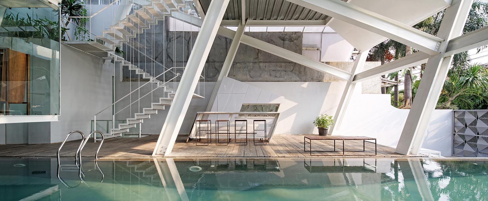 5_Slanted House_Budi Pradono Architects_Inspirationist
