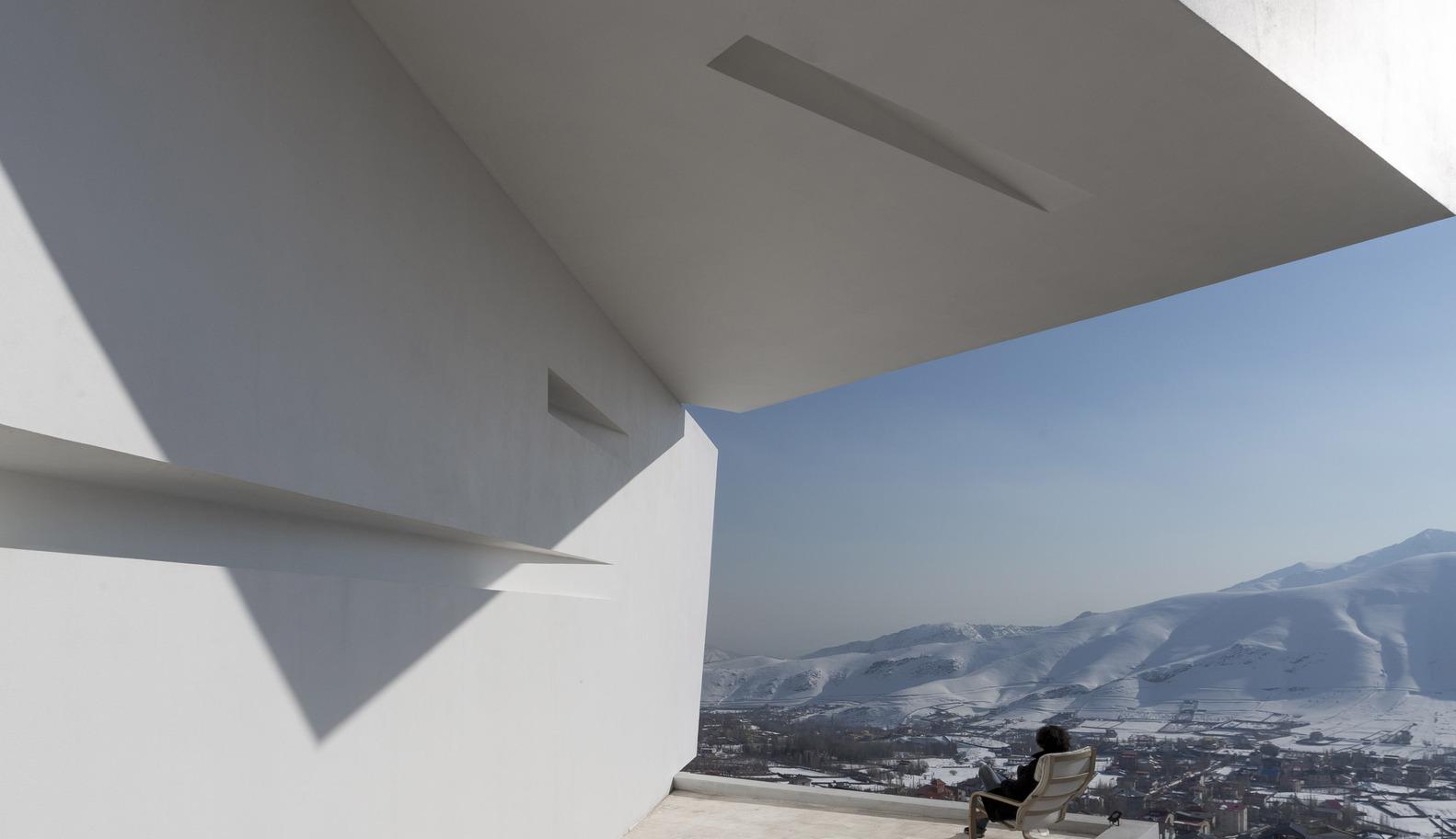 3_Mosha House_New Wave Architecture_Inspirationist