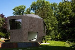 Casa Forest: a house for a family of five nature enthusiasts and art lovers