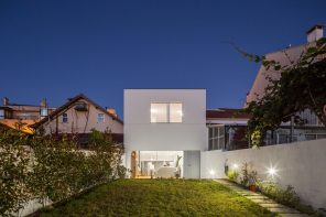 A minimal residential insertion in Matosinhos, Portugal
