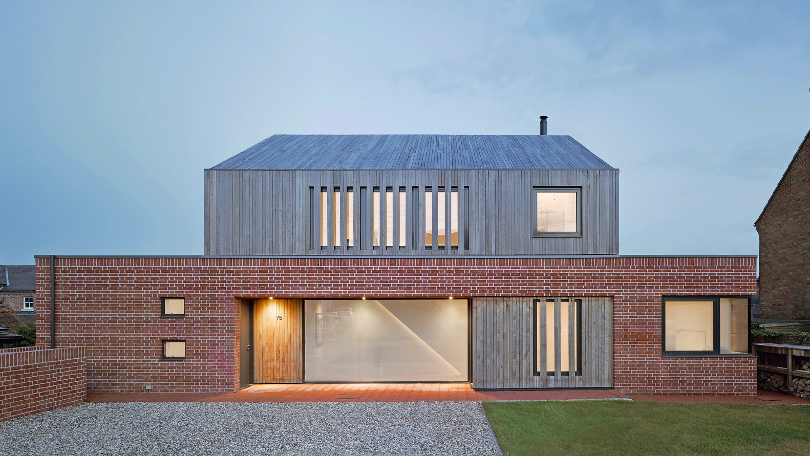 1_broad-street-house-in-suffolk_nash-baker-architects_inspirationist