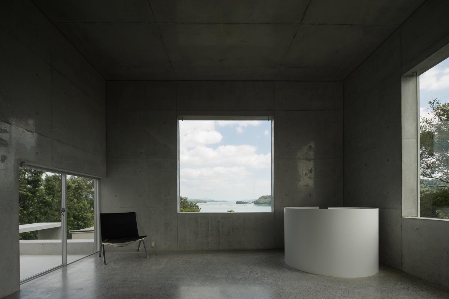 10_house-in-akitsu_kazunori-fujimoto-architectassociates_inspirationist