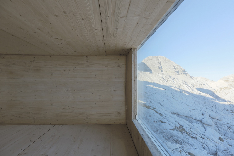 3_winter-cabin-on-mount-kanin_ofis-arhitekti_inspirationist