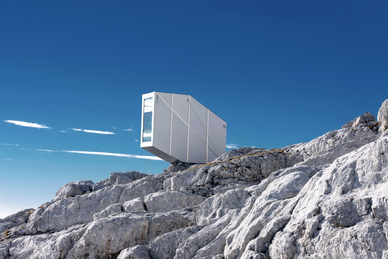 5_winter-cabin-on-mount-kanin_ofis-arhitekti_inspirationist