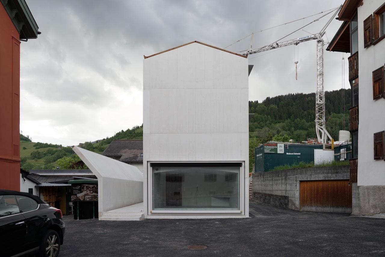 1_House in Laax_Valerio Olgiati_Inspirationist