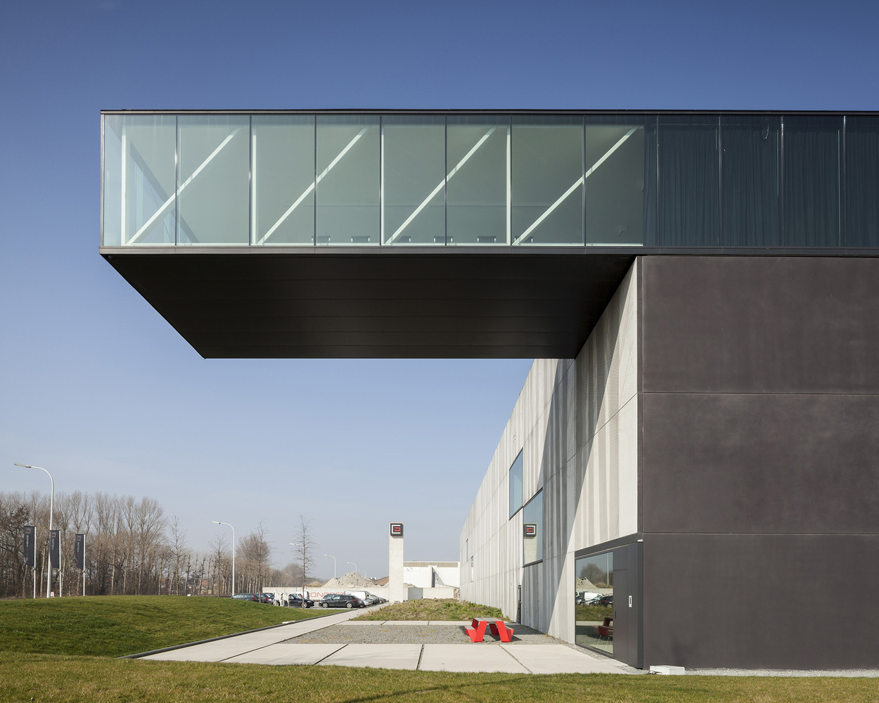 2_Enjoy Concrete HQ _Govaert & Vanhoutte Architects_Inspirationist