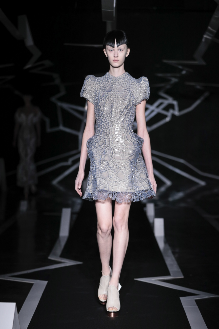 4_Iris van Herpen_Between the lines_Inspirationist