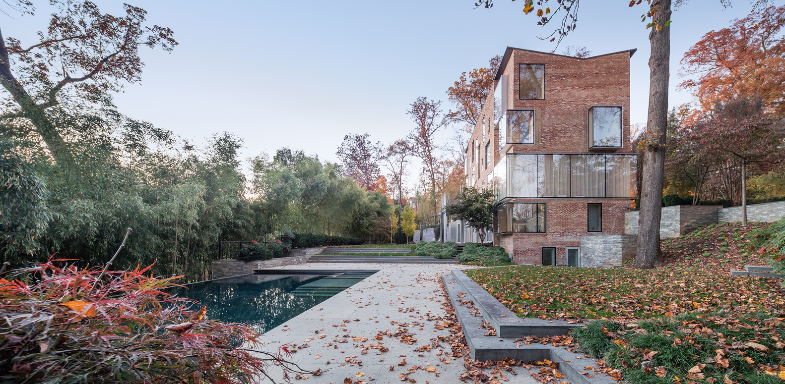 An adaptive re use project of a 1920 39 s brick structure for Creek house