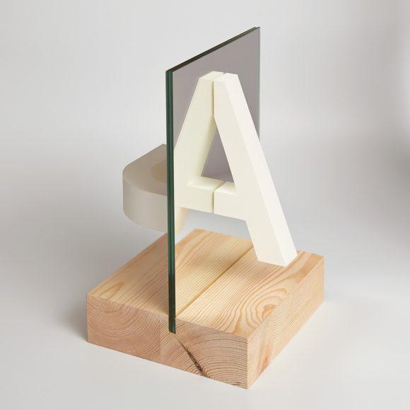 Reflexió Typography project by Estudi Ramon Carreté