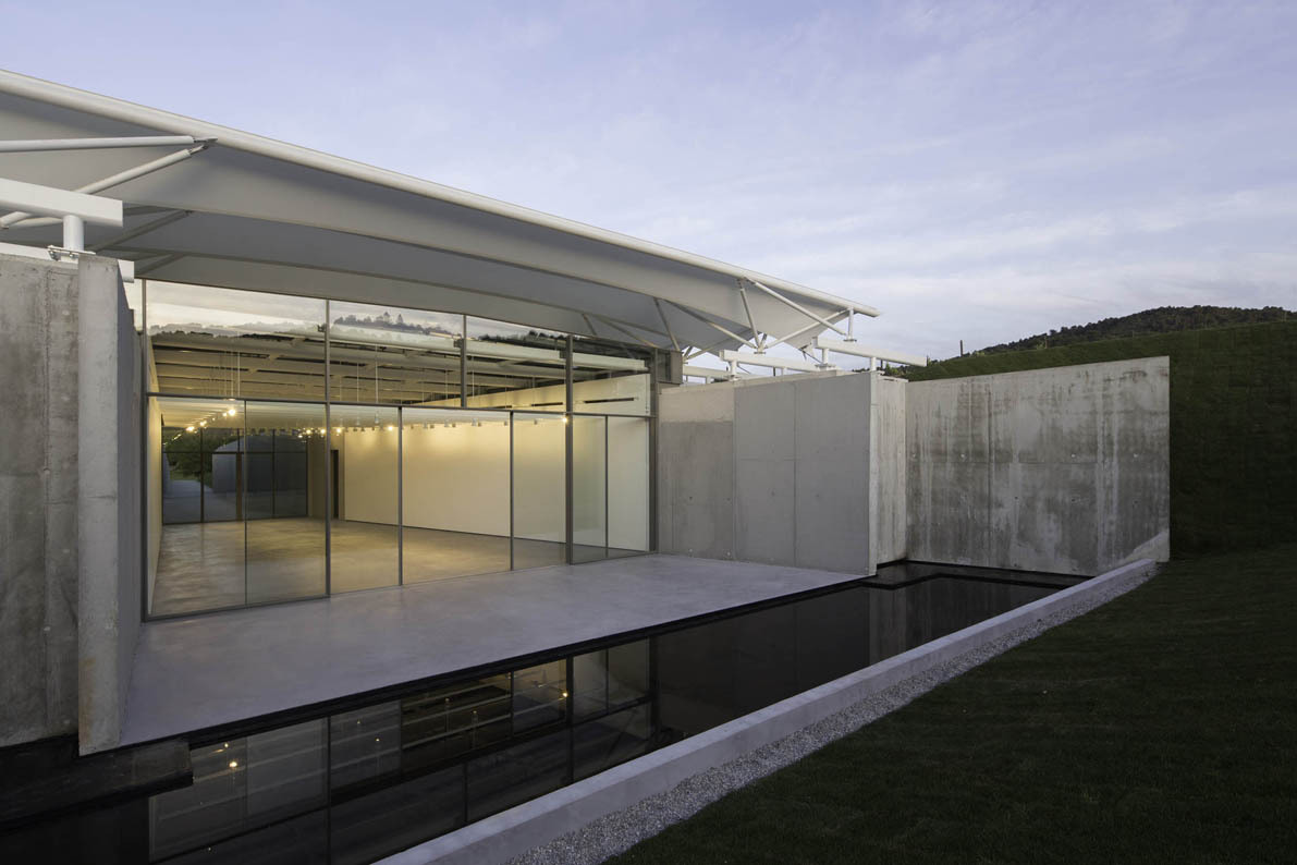 New Pavilion by Renzo Piano in Chateau La Coste