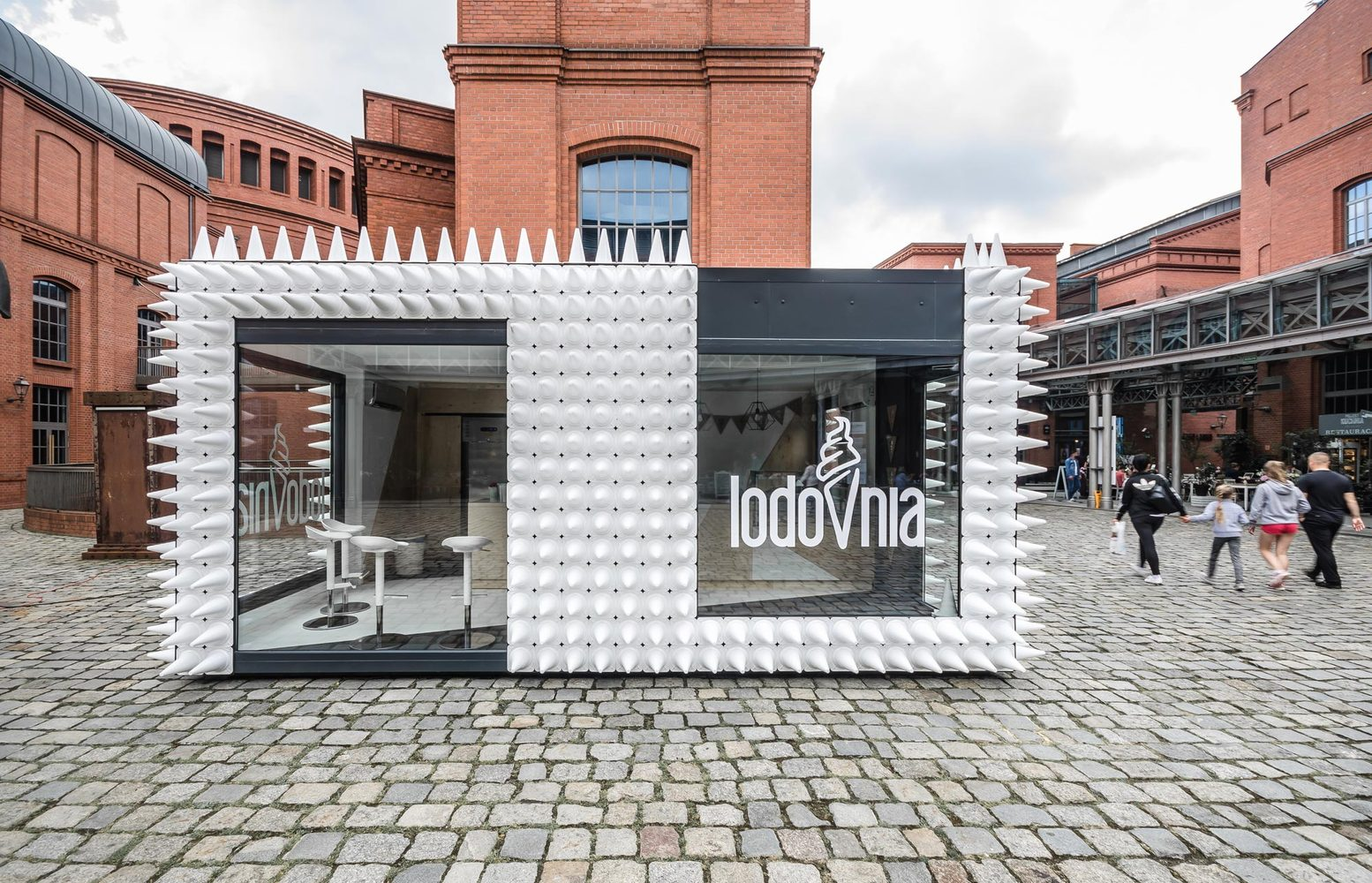 1_LODOVNIA Ice Cream Shop_mode lina architekci_Inspirationist