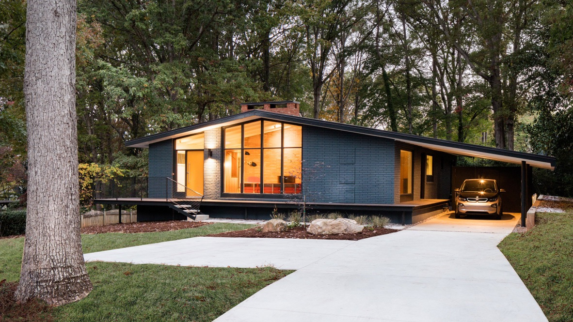 in situ studio renovate north carolina 1960 39 s low sloped ranch inspirationist. Black Bedroom Furniture Sets. Home Design Ideas