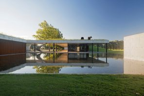 Figueras Polo Stables: a space of pronounced horizontalism and simplicity of elements