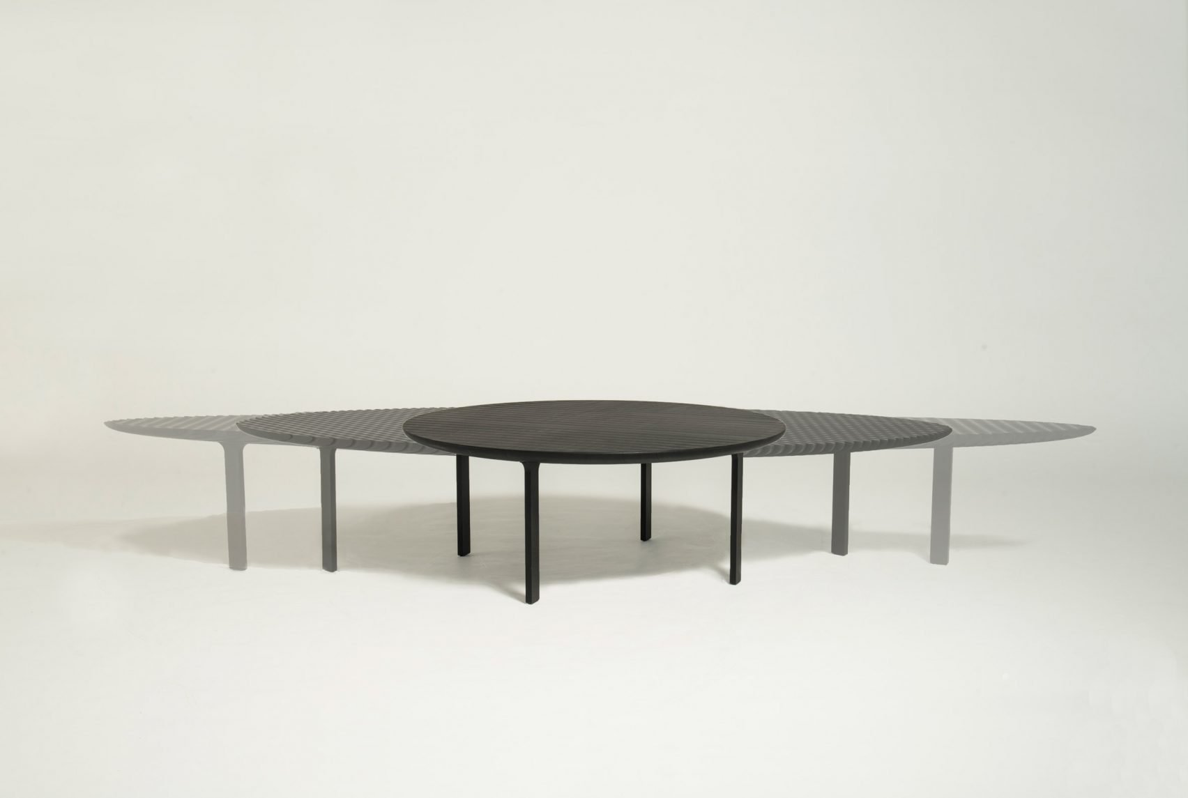 2_Friction Table Extending _Heatherwick Studio_Inspirationist
