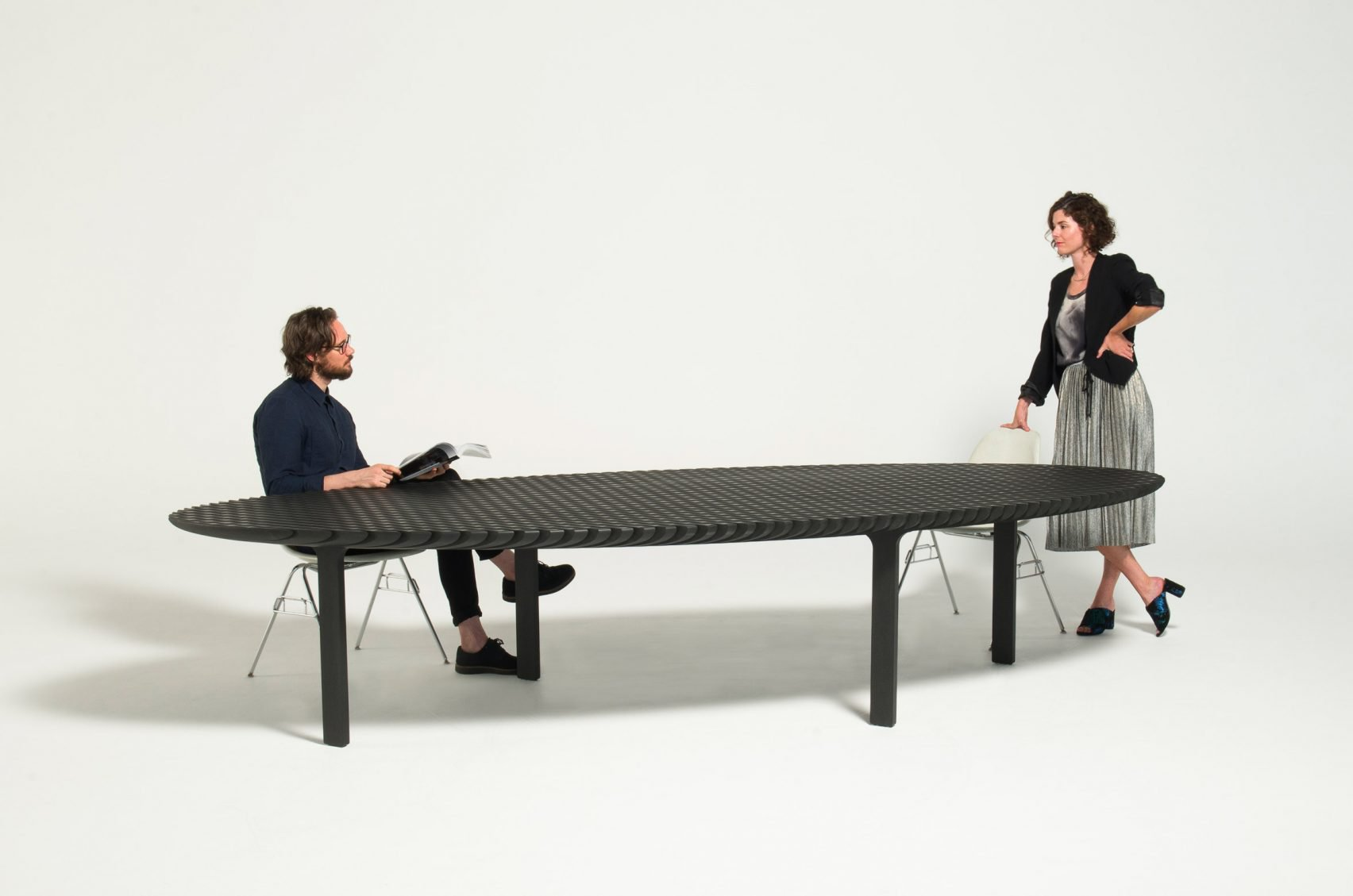 3_Friction Table Extending _Heatherwick Studio_Inspirationist