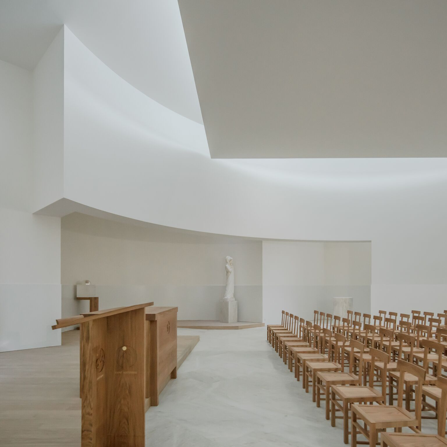 10_Alvaro Siza Vieira_New Church of Saint-Jacques de la Lande_Inspirationist