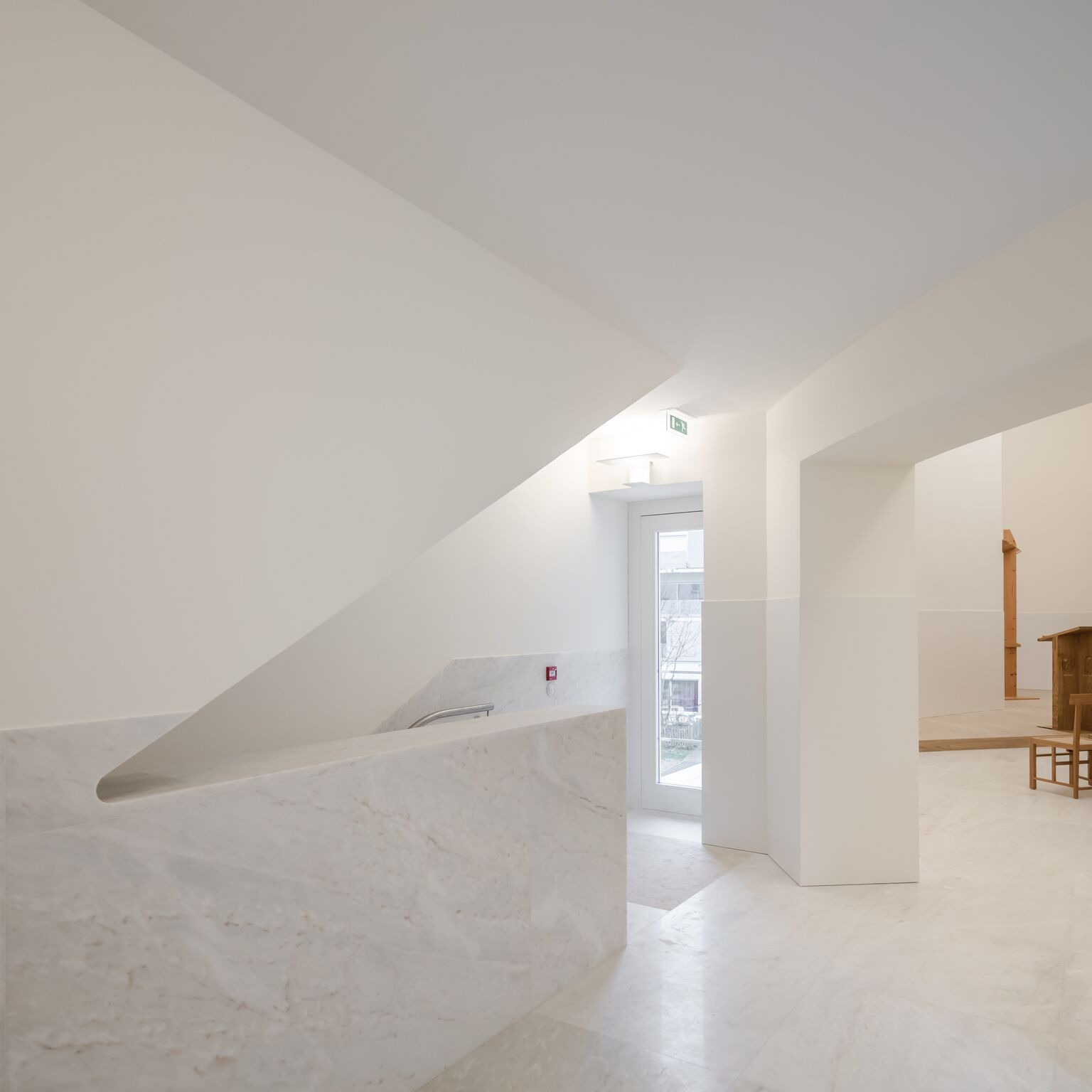 11_Alvaro Siza Vieira_New Church of Saint-Jacques de la Lande_Inspirationist