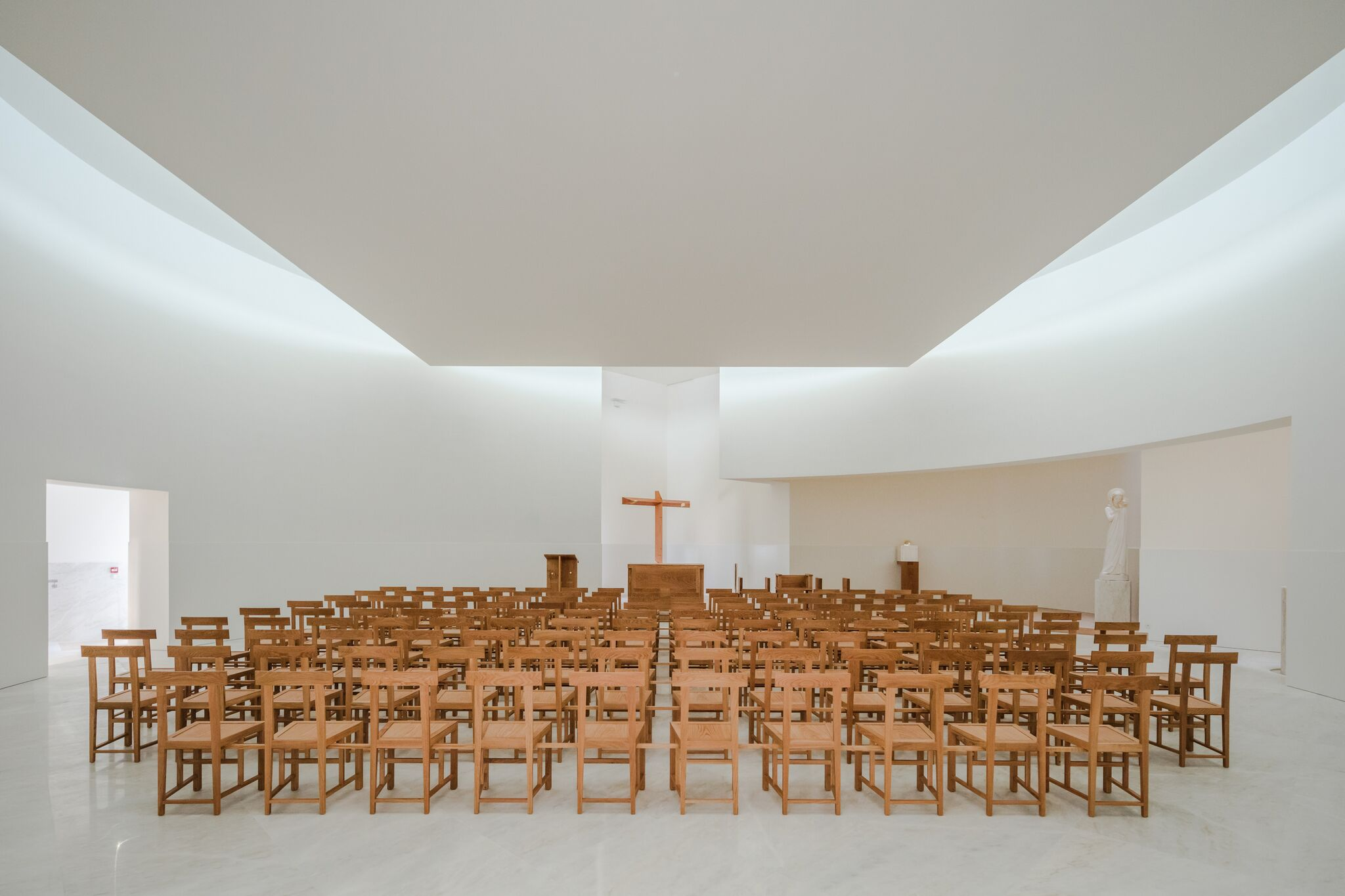 6_Alvaro Siza Vieira_New Church of Saint-Jacques de la Lande_Inspirationist