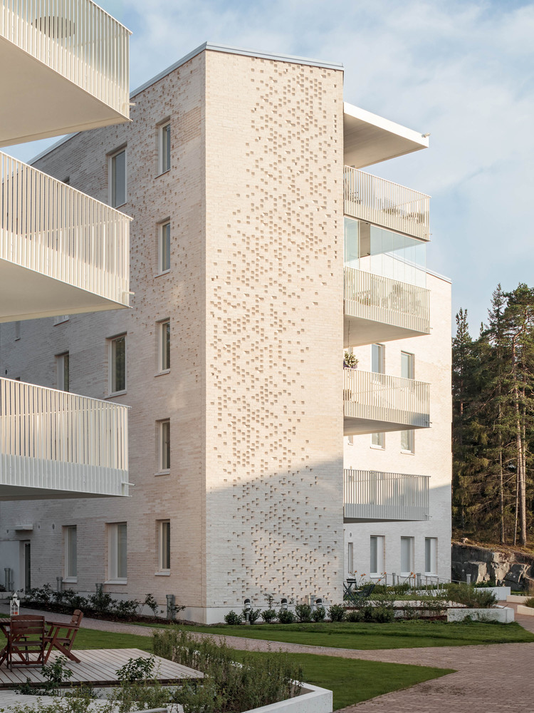Lorentzinpuisto Apartments in Helsinki, Finland designed by Playa Architects.