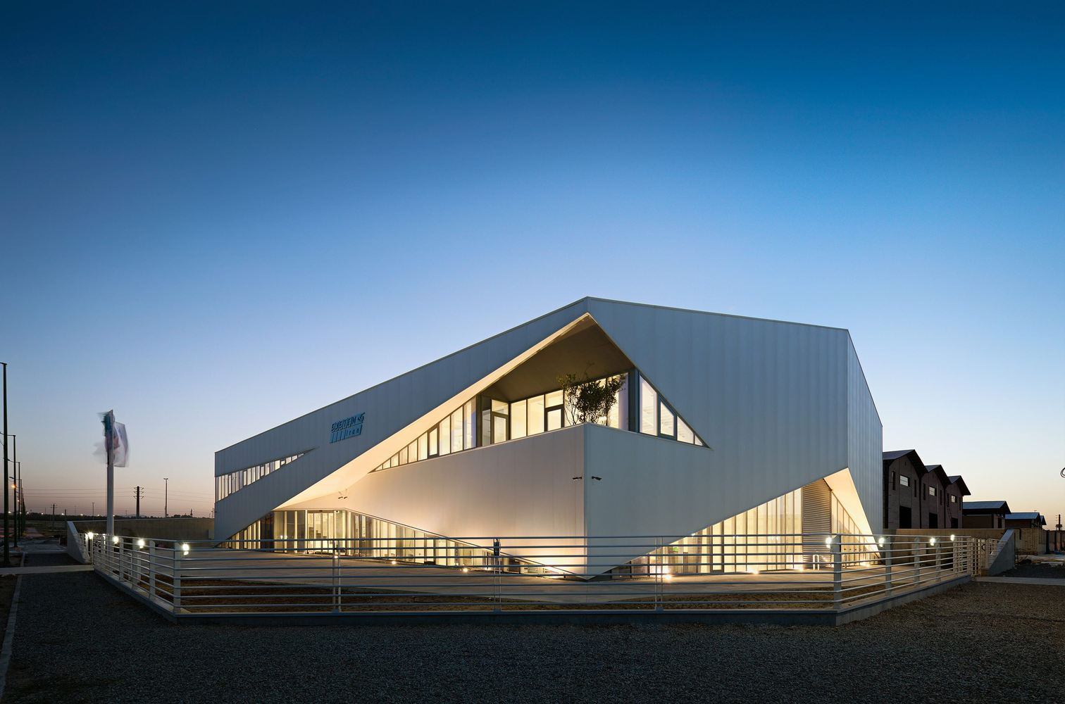 8_System Warehouse_Olgooco Architecture_Inspirationist