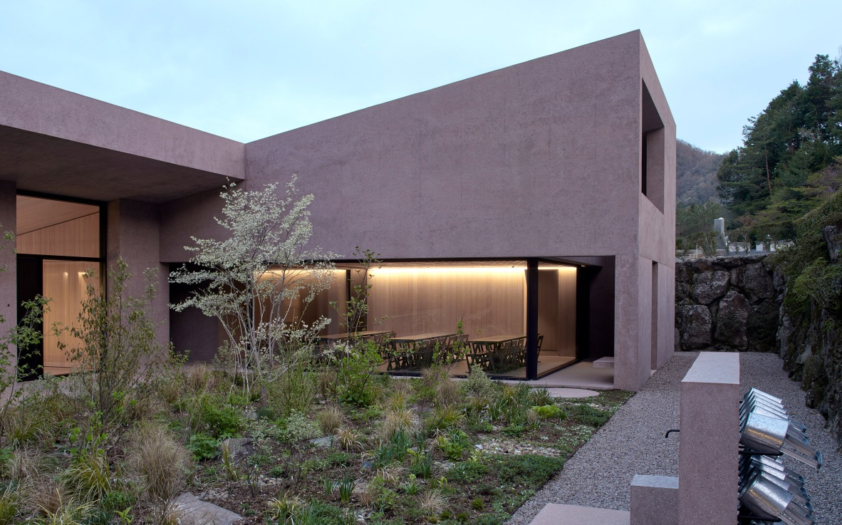 8_Inagawa Cemetery visitor centre & chapel_David Chipperfield Architects_Inspirationist