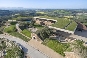 A restoration project that keeps the austere fortress spirit of the existing castle