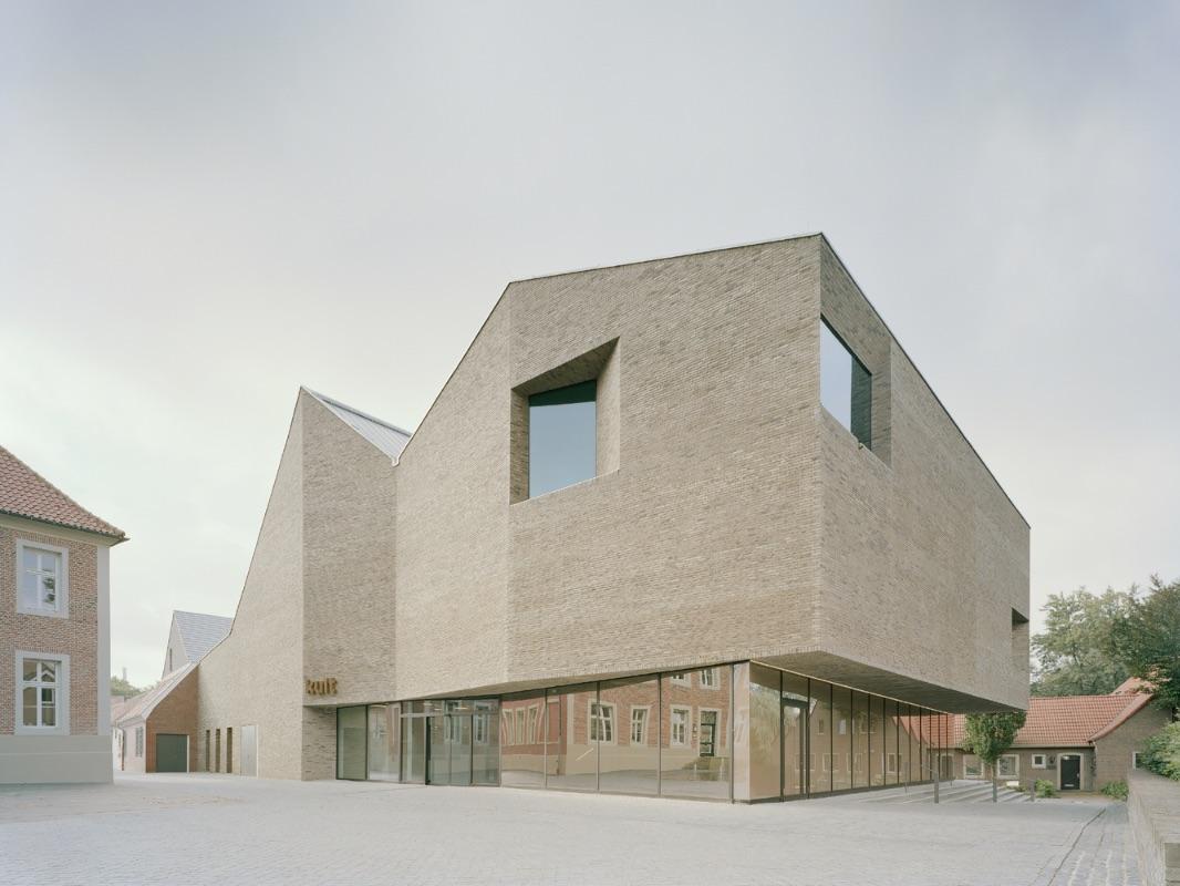 1_Kult_InspirationistPool Leber Architekten+Bleckmann Krys Architekten_Inspirationist