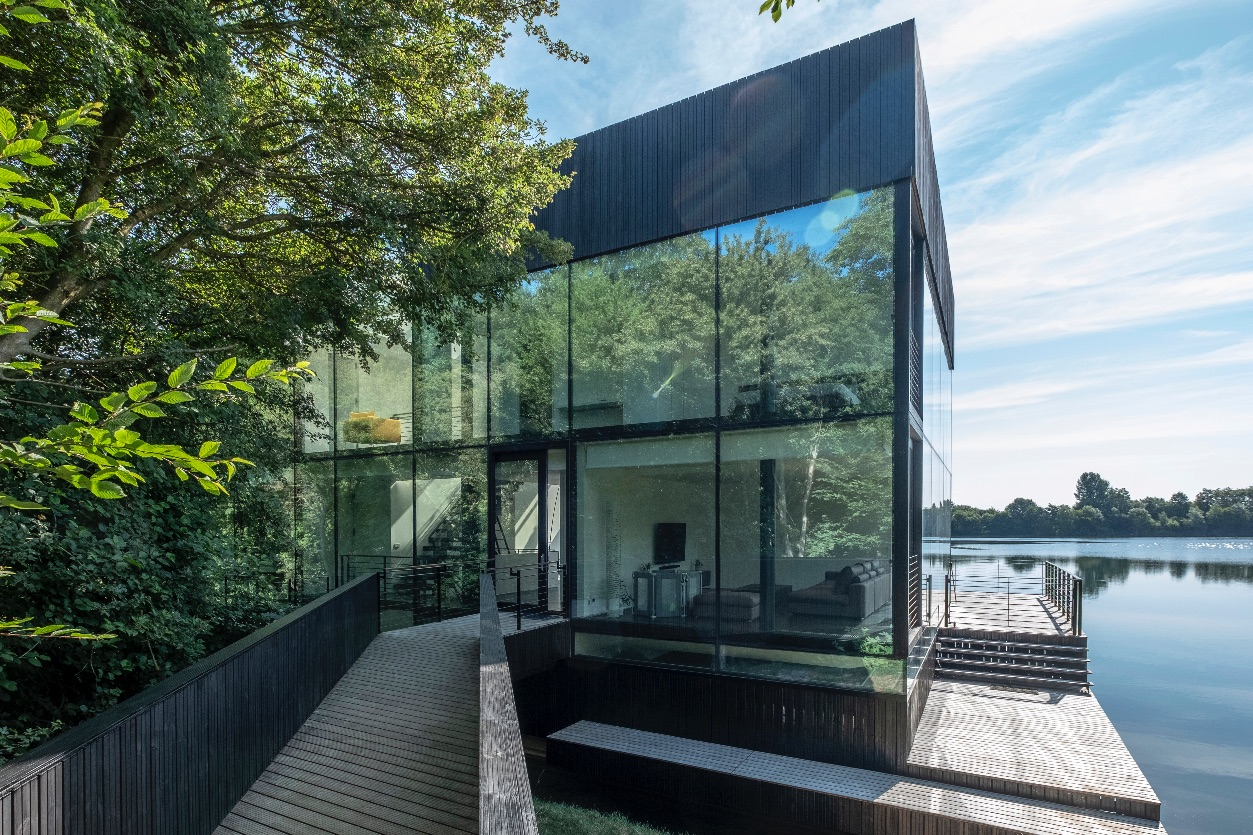 1_Glass Villa in the Lake_Mecanoo_Inspirationist