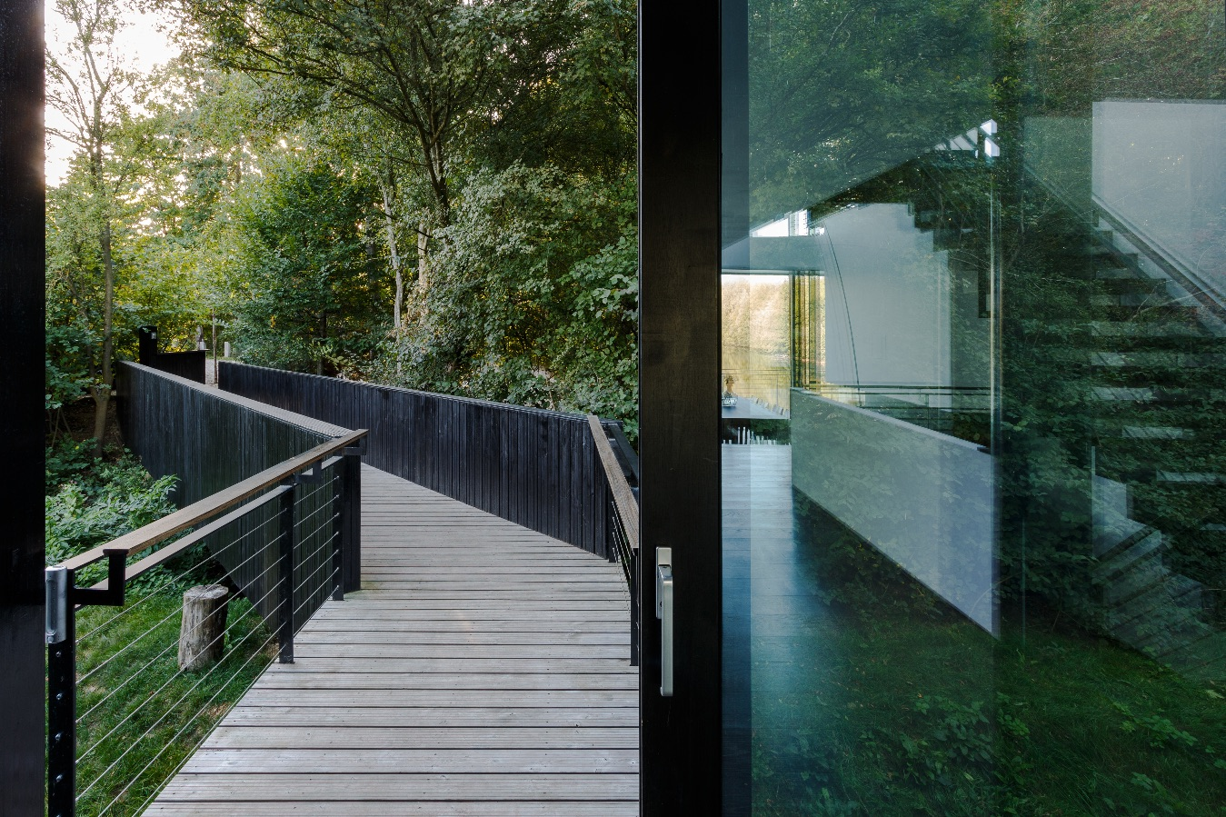 4_Glass Villa in the Lake_Mecanoo_Inspirationist