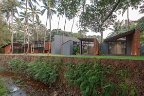 Villa in the Palms: a pockets of small homes structure nestled between 80-year-old coconut trees
