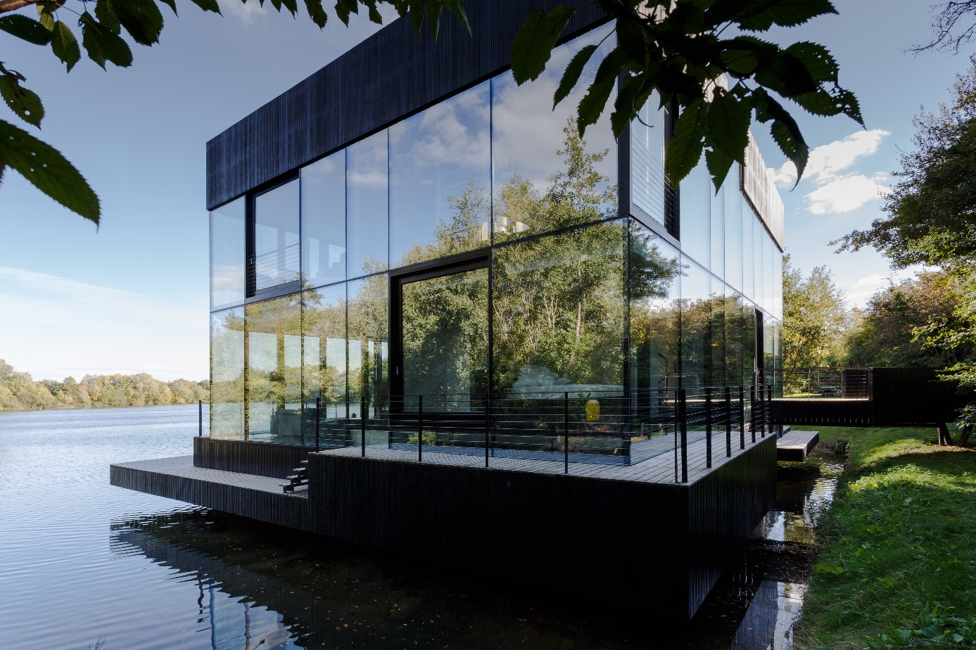 6_Glass Villa in the Lake_Mecanoo_Inspirationist