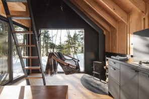 A ready-to-camp micro-shelter as a reinterpretation of the legendary A-frame