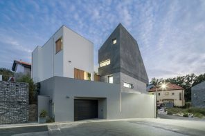 W House provides privacy, yet also ample sunlight and well-ventilated spaces