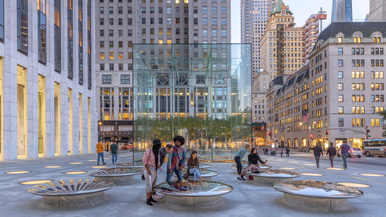4_Apple Store Fifth Avenue_Foster + Partners_Inspirationist