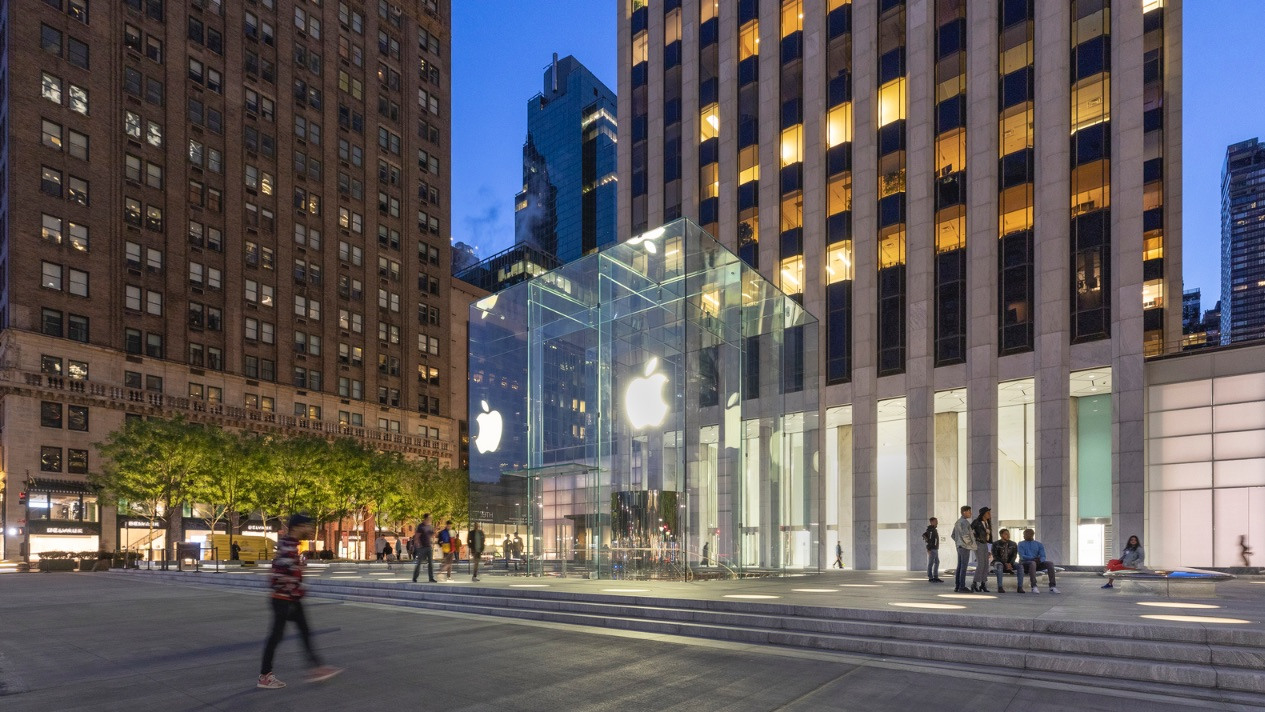 8_Apple Store Fifth Avenue_Foster + Partners_Inspirationist