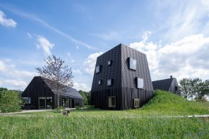 A villa in the Dutch countryside that gives a contemporary twist to the local farmstead typology