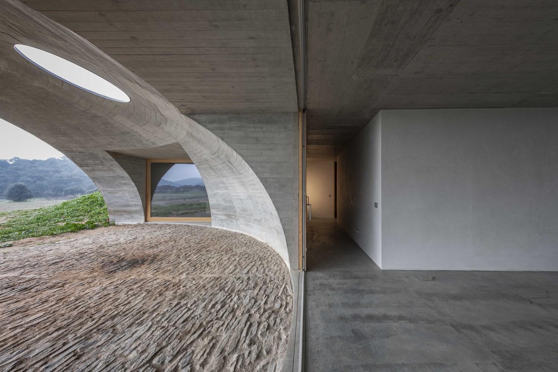 1_House in Monsaraz_Aires Mateus_Inspirationist