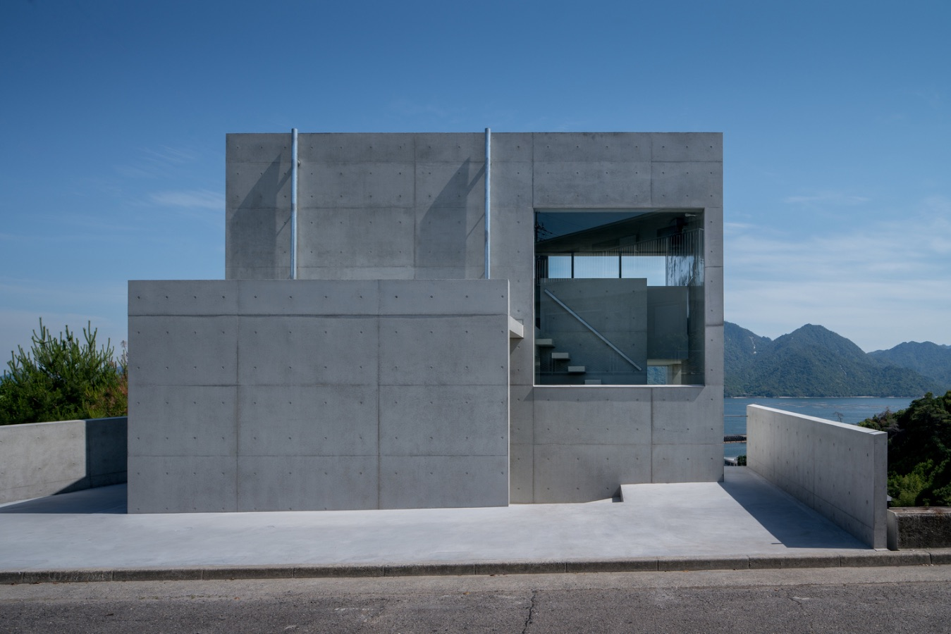 1_House in Ajina_Kazunori Fujimoto Architect & Associates_Inspirationist
